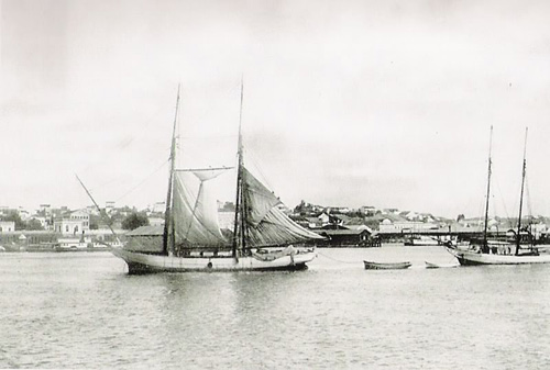Barcos na região do porto no centro de Porto Alegre - 1911