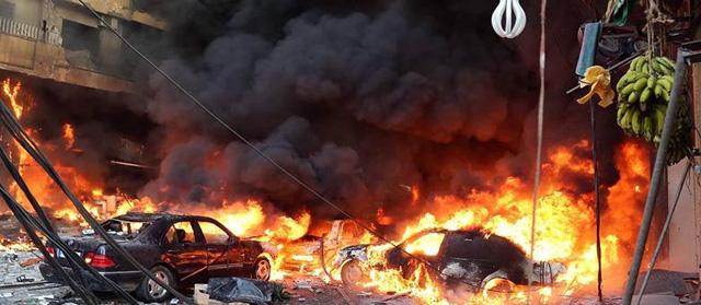 O atentado com carro-bomba aconteceu em Roueiss, uma área popular do subúrbio xiita. De acordo com a Cruz Vermelha Libanesa, o ataque também deixou 325 pessoas feridas.